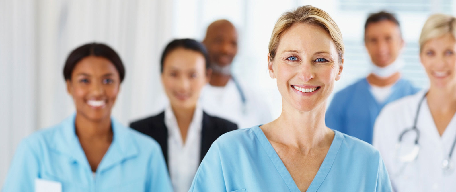 nurse-with-medical-staff